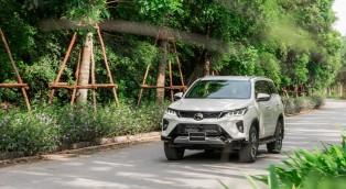 Tri ân khách hàng- Toyota Fortuner Legender tung gói khuyến mại hấp dẫn tháng 10 duy nhất tại Toyota Doanh Thu- Thanh Hoá